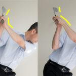 ゴルフスイングのトップで左手首は掌側に曲げるのがセオリー