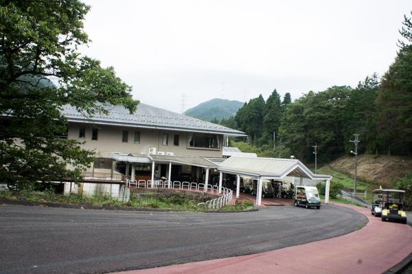 ヴィレッジ東軽井沢ゴルフクラブのカート格納の画像