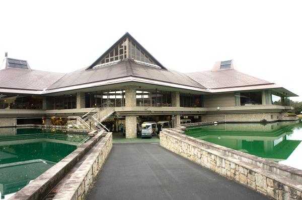 ツインレイクスカントリー倶楽部の池の画像