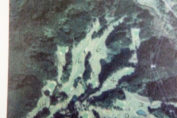 コースレイアウトにホール番号を記入した画像