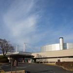 レイクウッドゴルフクラブ富岡コースは現代建築と池が美しい
