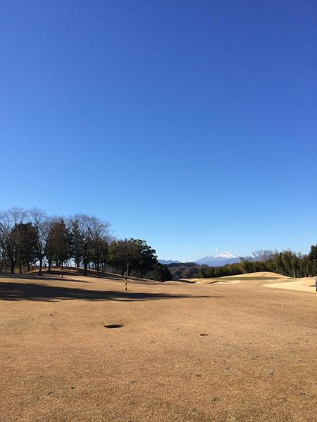 レイクウッドゴルフクラブ富岡コースゴールドから見える浅間山の画像