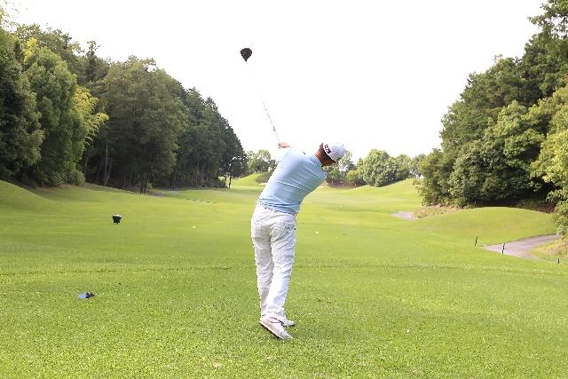ゴルフの服装の画像