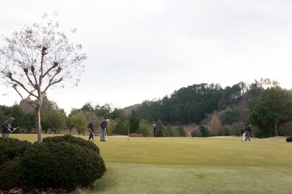 下仁田カントリークラブの練習グリーンの画像