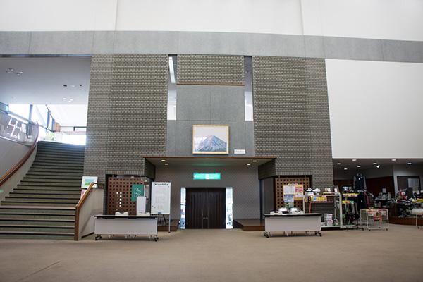 梅ノ郷ゴルフ倶楽部のクラブハウス内の画像