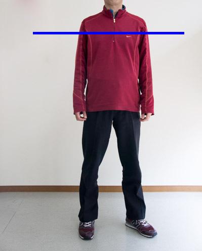肩と胸は飛球線と平行の画像